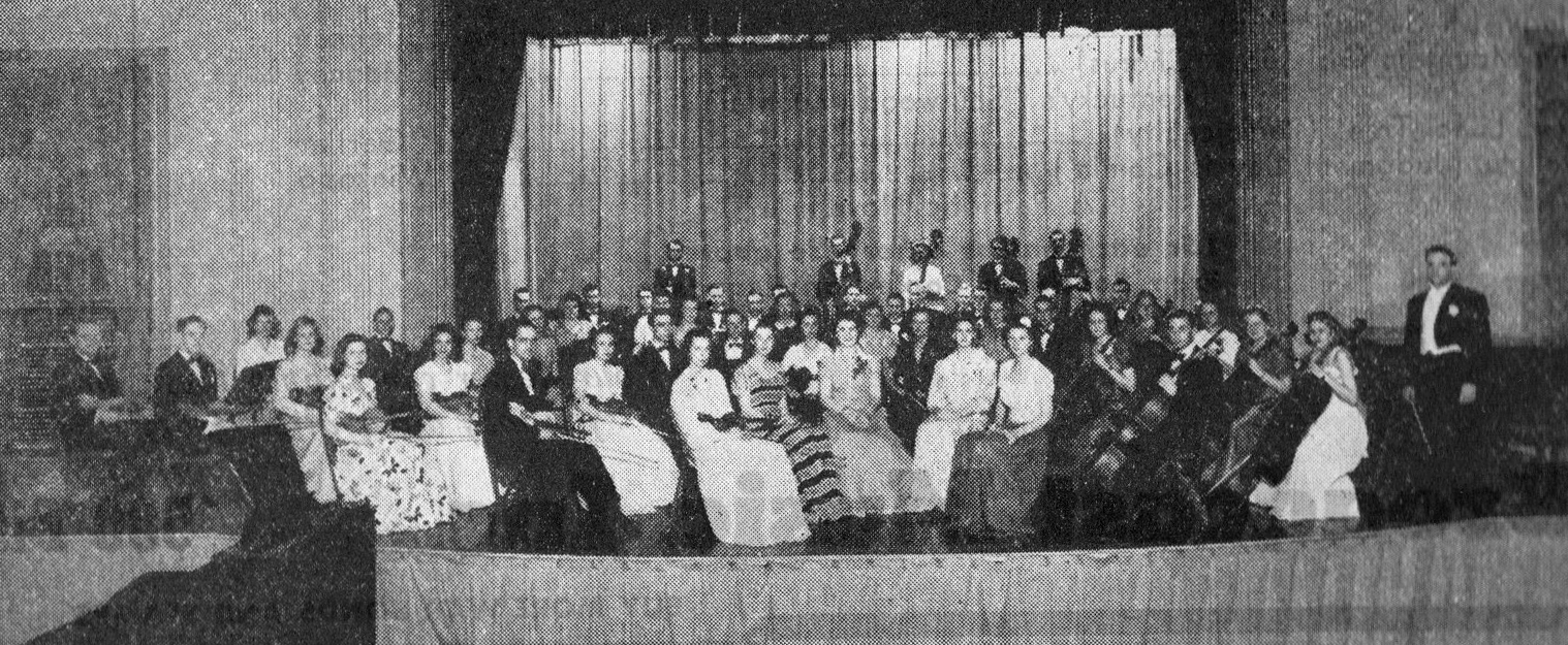Group on the Union Stage 1900