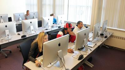 Image of a Graphic Design Classroom