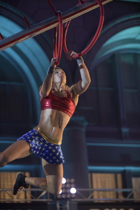 Jessie Graff on American Ninja Warrior (Photo by: Brandon Hickman/NBC | 2016 NBCUniversal Media, LLC)