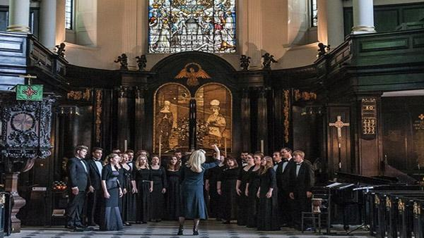 UNL Chamber Singers performing in Great Britain